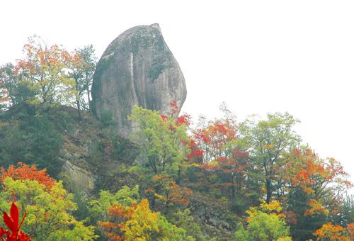 中国第一天然石桃——蟠桃山风景区